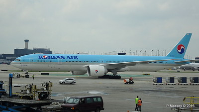 Korean Air 777 HL8009 ORD 01-06-2016 11-44-11