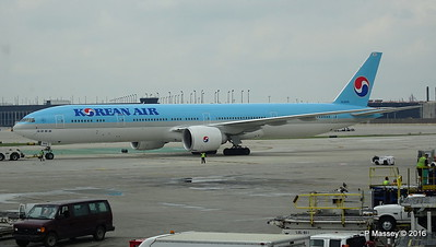 Korean Air 777 HL8009 ORD 01-06-2016 11-44-29