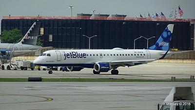 jetBlue ERJ-190 N318JB ORD 01-06-2016 12-29-21
