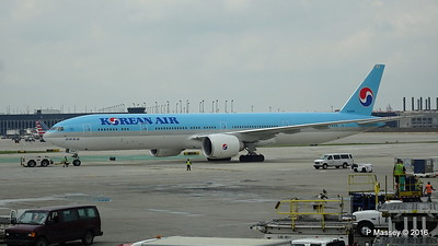 Korean Air 777 HL8009 ORD 01-06-2016 11-44-33