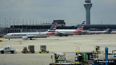 American 767 N368AA & 737 N960NN ORD 01-06-2016 12-32-25
