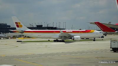 Iberia A330 EC-LUX ORD 01-06-2016 12-47-32