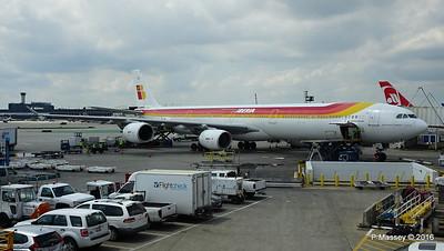 Iberia A340 EC-JLE ORD 01-06-2016 13-07-37