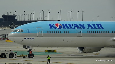 Korean Air 777 HL8009 ORD 01-06-2016 11-45-07