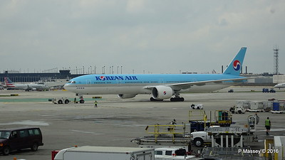 Korean Air 777 HL8009 ORD 01-06-2016 11-45-00