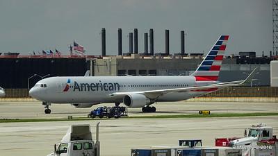 American Airlines 767 N390AA ORD 01-06-2016 12-32-44