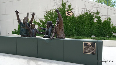 Lambeau Leap Sculpture Lambeau Field Green Bay Wisconsin PDM 24-05-2016 14-49-01