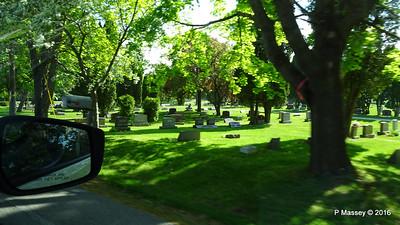 Passing Bayside Cemetery Sturgeon Bay Wisconsin 24-05-2016 09-14-56