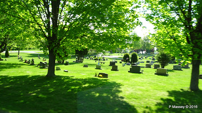 Passing Bayside Cemetery Sturgeon Bay Wisconsin 24-05-2016 09-15-02