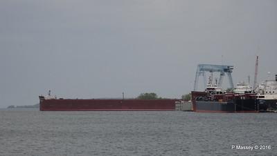 JAMES R BARKER Tank Barge LOUISIANA more Sturgeon Bay Wisconsin 24-05-2016 13-26-02