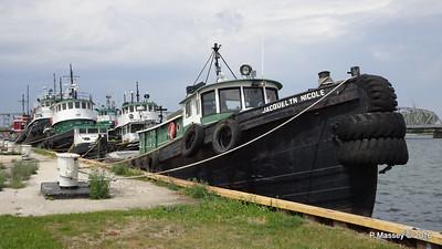JACQUELYN  NICOLE 6 more Selvick Tugs Sturgeon Bay WI PDM 24-05-2016 13-14-55
