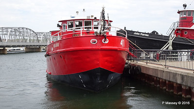 FRED A BUSSE Chicago Fireboat Sturgeon Bay WI PDM 24-05-2016 13-09-28