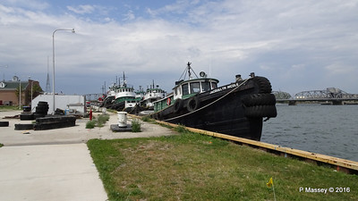 JACQUELYN  NICOLE 6 more Selvick Tugs Sturgeon Bay WI PDM 24-05-2016 13-14-51