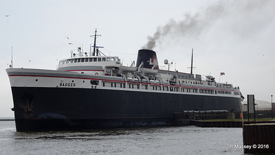 ss BADGER Arriving Manitowoc WI PDM 25-05-2016 10-21-025