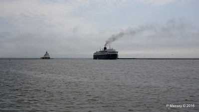 ss BADGER Arriving Manitowoc WI PDM 25-05-2016 10-14-060