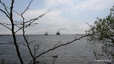 ss BADGER Arriving Manitowoc WI PDM 25-05-2016 10-13-46