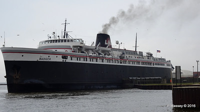 ss BADGER Arriving Manitowoc WI PDM 25-05-2016 10-21-026