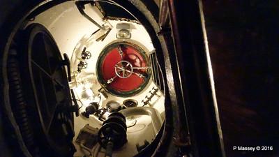 Escape Hatch USS COBIA Wisconsin Maritime Museum PDM 25-05-2016 09-16-06