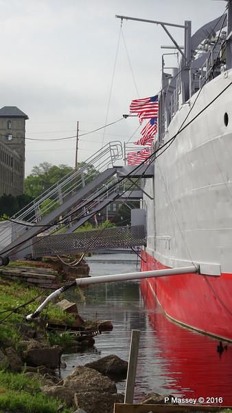 USS LST 393 Muskegon PDM 26-05-2016 07-45-09