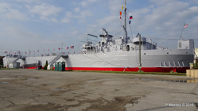 USS LST 393 Muskegon PDM 26-05-2016 07-42-23
