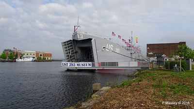 USS LST 393 Museum Entrance Bow Muskegon PDM 26-05-2016 07-49-07