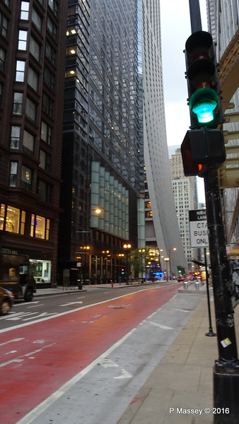 W Madison St to W from N State St Chicago 31-05-2016 14-36-53