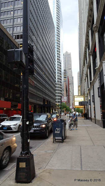 S State St W Monroe St Chicago 31-05-2016 14-39-54