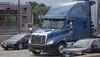 Freightliner blue Cascadia Great Plains Transportation I 90 by CTA Blue Line ORD - Washington Chicago 31-05-2016 14-02-032