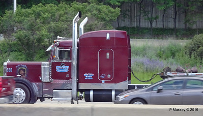 Maroon peterbilt 550 still saving lives Cowboy I 90 by CTA Blue Line Chicago 31-05-2016 14-03-058