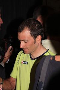 Ivan Basso signs autographs
