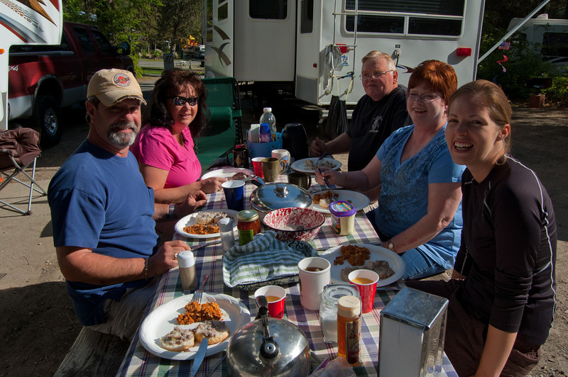 A delicious breakfast in the sunshine - thanks, guys!