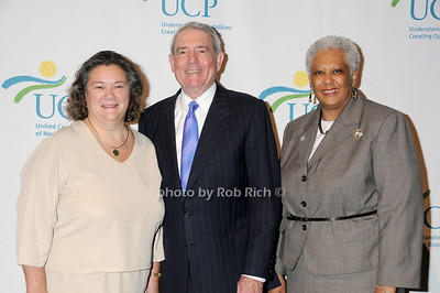 Margery Ames, Dan Rather,  Diana Ritter photo by Rob Rich © 2009 robwayne1@aol.com 516-676-3939