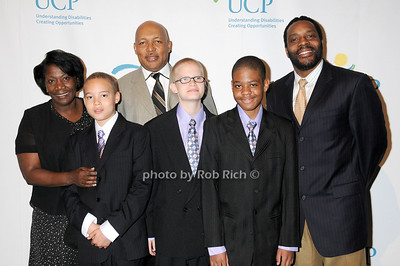 Winston family with Chad Coleman photo by Rob Rich © 2009 robwayne1@aol.com 516-676-3939