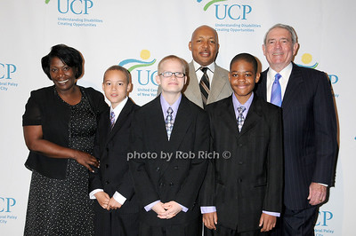 Winston family with Dan Rather photo by Rob Rich © 2009 robwayne1@aol.com 516-676-3939