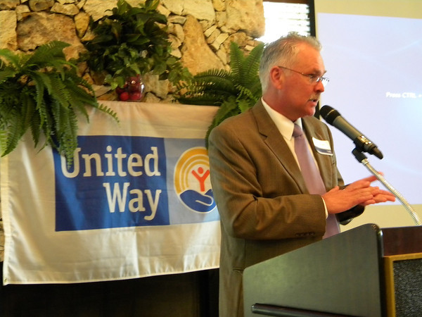 UWSV past president Mike McKee was the emcee of the program and introduced various speakers, including Danny Johnson, chair of the Hamilton County campaign and Walter McKenzie, vice mayor of White Springs who spoke on behalf of mayor Helen Miller on the United Way initiative in their town.