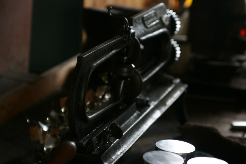 A tinsmith's tool - Circle Cutter