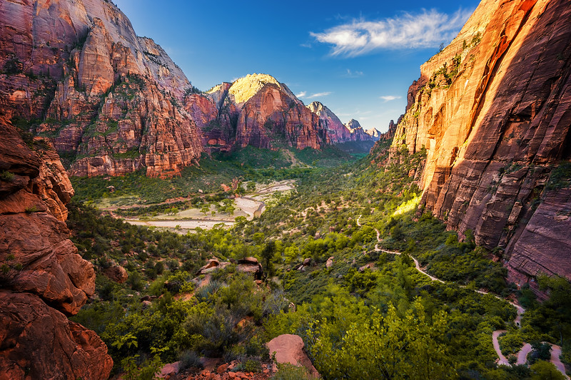 Zion National Park. Conquering Angels Landing
