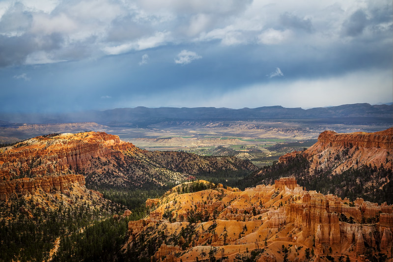 Bryce Canyon - Minutes Before Snow Storm (Utah)