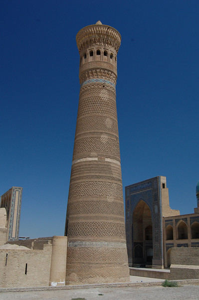 The Kaylon Minaret: 50m tall and almost 1000 years old. Ghengis Khan was so impressed by it that he allowed it to remain standing.