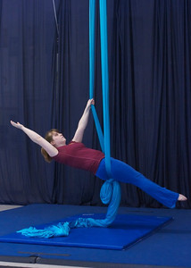 Layback one arm in knot