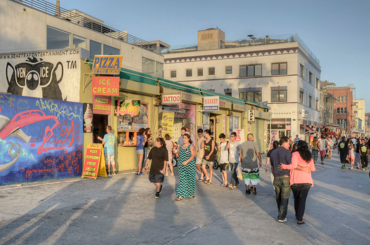 Ocean Front Walk & Brooks Ave -