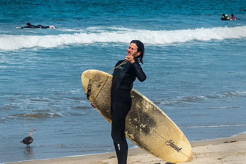 GIRL WITH SURFBOARD VENICE BEACH LA-1040119