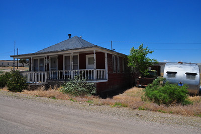Duplex along with baby rental Goldfield, NV.