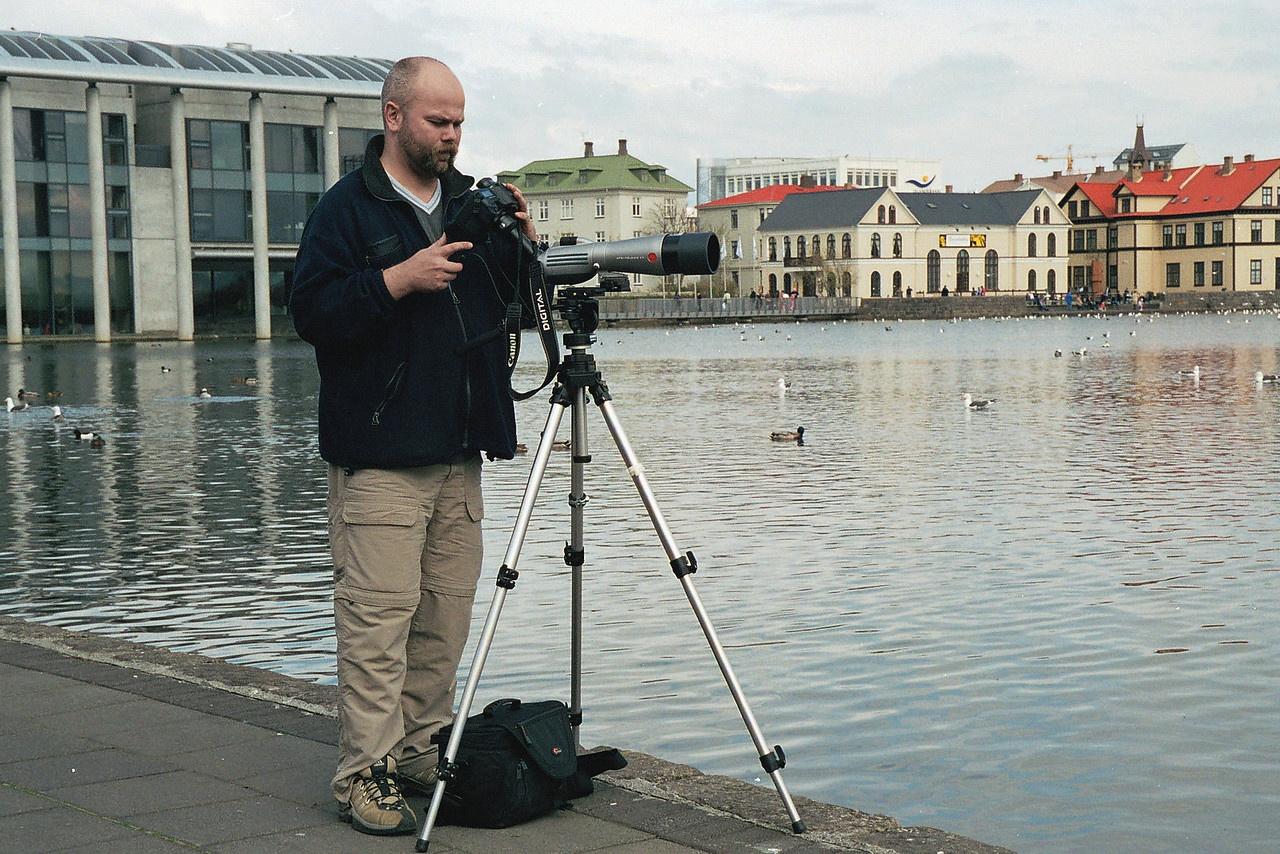 This is me with my Leica Apo-Televid 77 connected to my 10D. This setup requires deep thought.