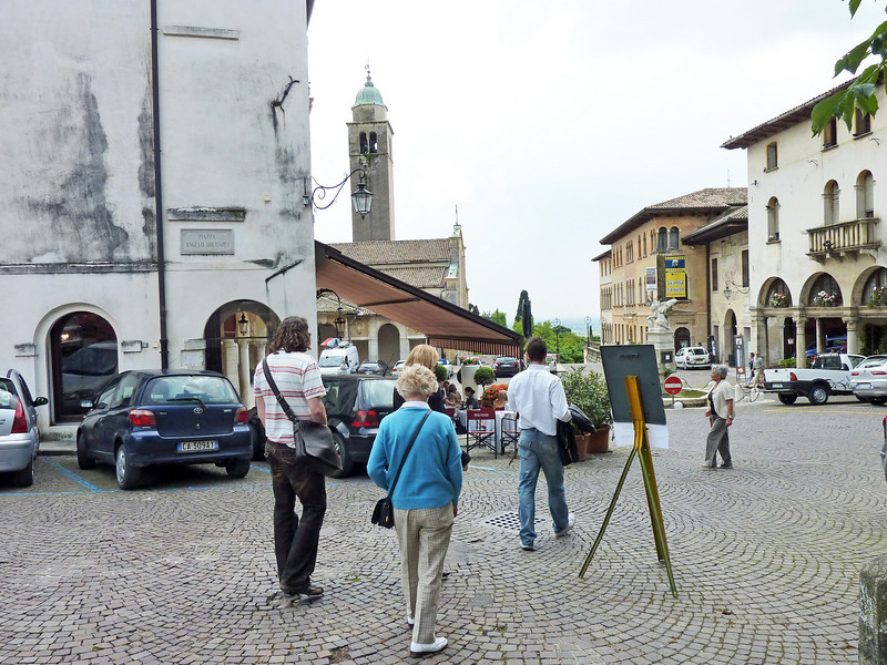 Walking through Asolo Square