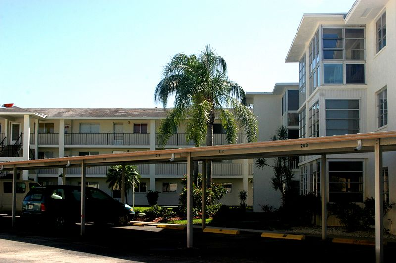 Holiday Condo's, Venice Florida
