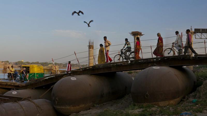 Varanasi Ponton Bridge