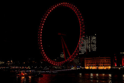 The London Eye as seen at night, December 1, 2009.  5 second intervals, final movie recorded at 6 frames per second.