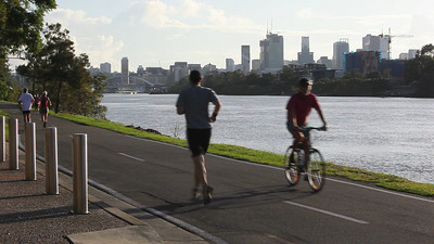 Canon 5D Mark II Test.  Brisbane riverside bikeway, Sunday 6:40am. (Canon 16-35mmF/2.8L and in-camera microphone)
