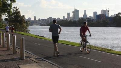 Canon 5D Mark II Test.  Brisbane riverside bikeway, Sunday 6:40am. (Canon 16-35mmF/2.8L and in-camera microphone)